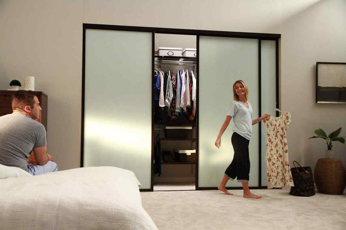 Bedroom closet frosted glass sliding door