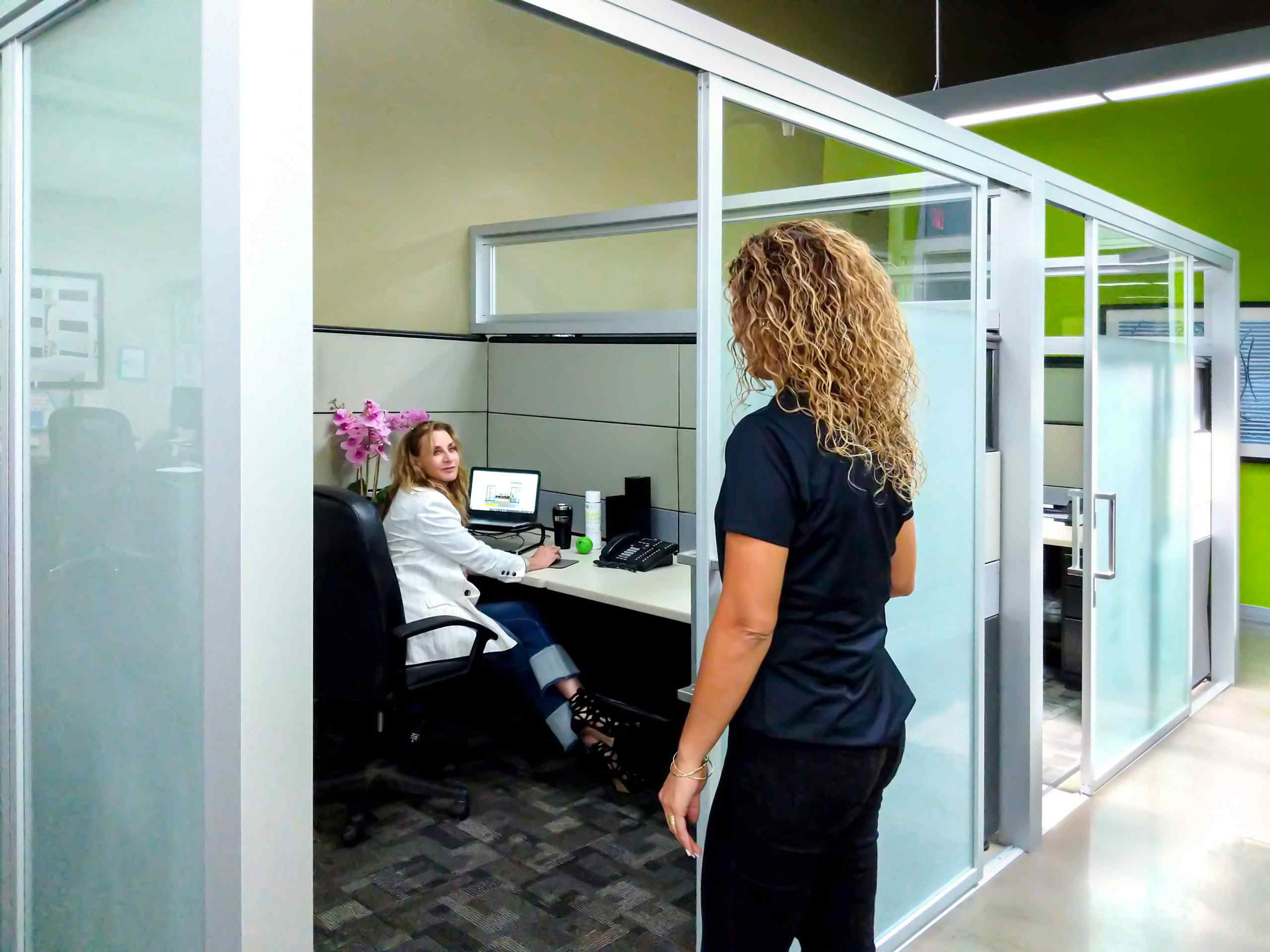 office cubicles space dividers