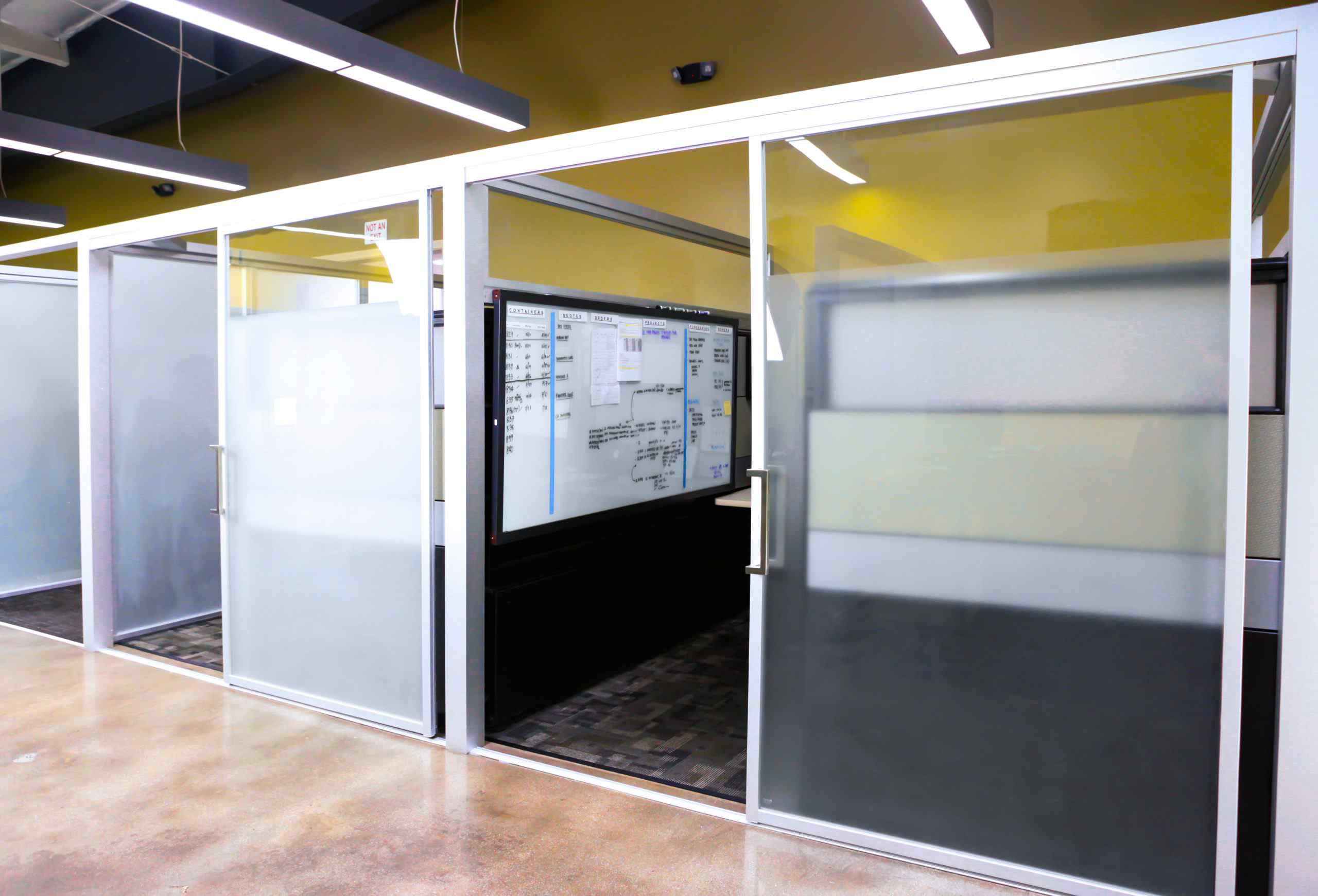 qubiglass separate office cubicles room dividers